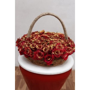 Golden Red Roses Arrangements