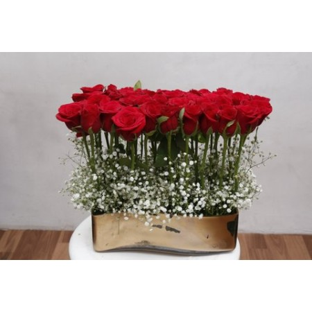 Standing Red Roses